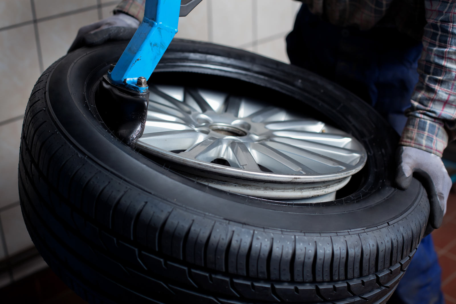 tires prestige auto repair 39 mine brook road bernardsville nj 07924 908 766 7667. Black Bedroom Furniture Sets. Home Design Ideas